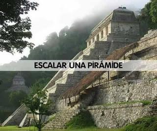 Escalar una pirámide