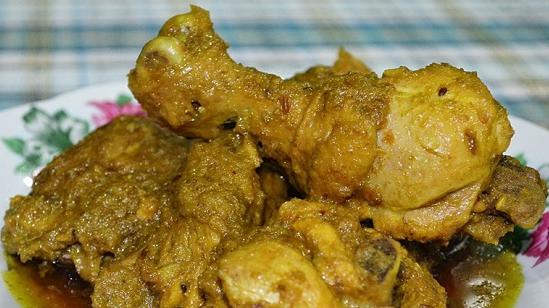 Resep Ayam Bumbu Kuning untuk Bunda di Rumah