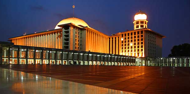 Masjid Terbesar di Indonesia yang pertama Masjid Istiqlal Jakarta