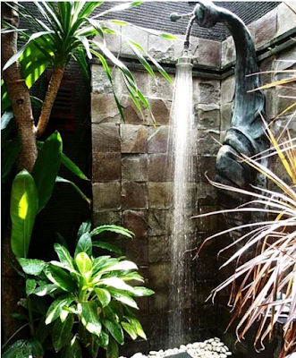 model kamar mandi dengan konsep alam