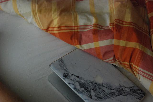 domenica mattina, cover per computer e cellulare personalizzate, skin per pc, skin pc, cover cellulare personalizzabile, casepp, valentina rago, fashion need, valentina rago, fashion blog italia, marble skin cover, marble cover