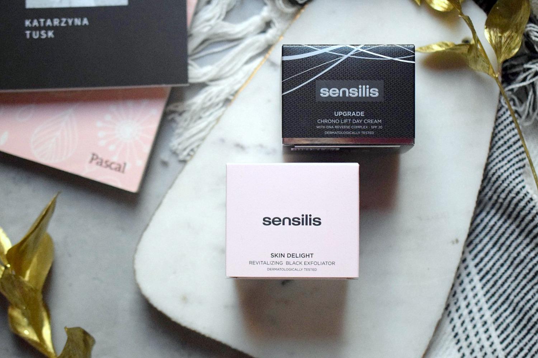 Focus na twarz - kosmetyki Sensilis - Krem Na Dzień Upgrade Chrono Lift oraz Peeling Skin Delight