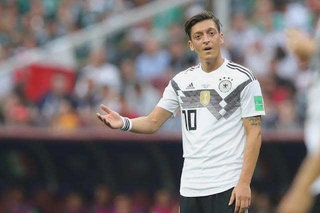 """""""Mesut Oezil Seharusnya Mengundurkan Diri dari Tim Nasional Jerman"""""""