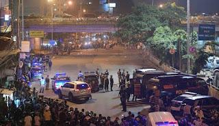 Rumah Terduga Pelaku Bom Bunuh diri di Terminal Kampung Melayu Digeladah Tim Densus 88