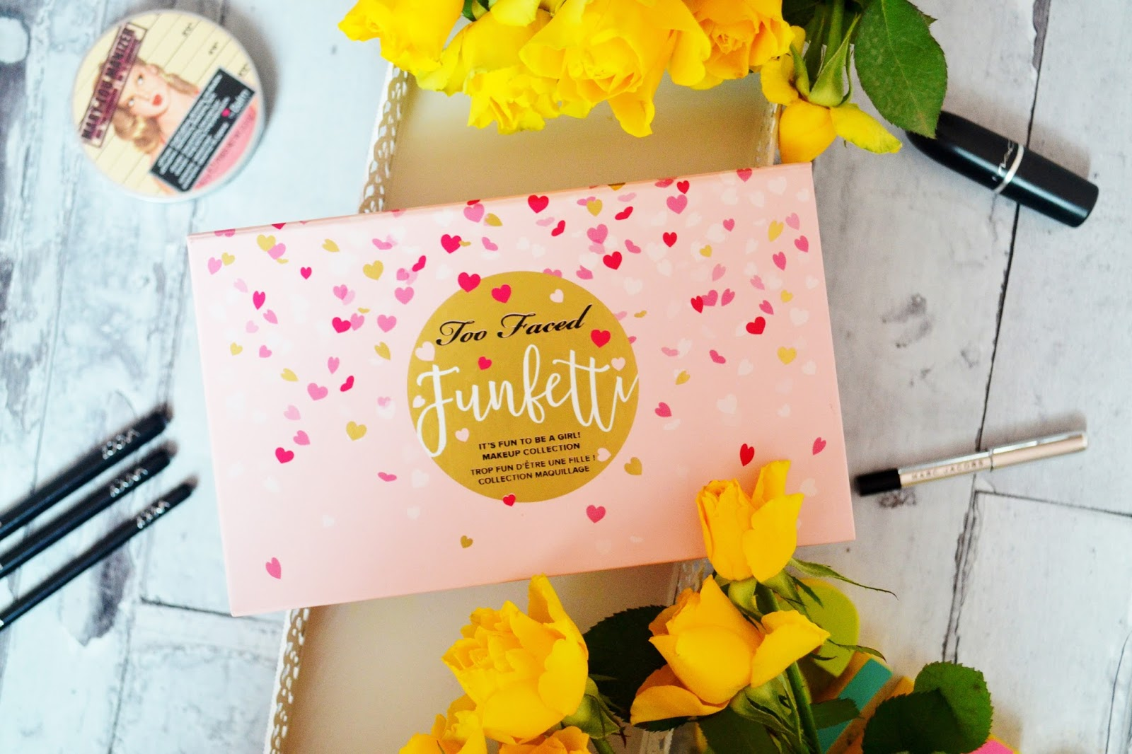 too faced funfetti recenzja swatche