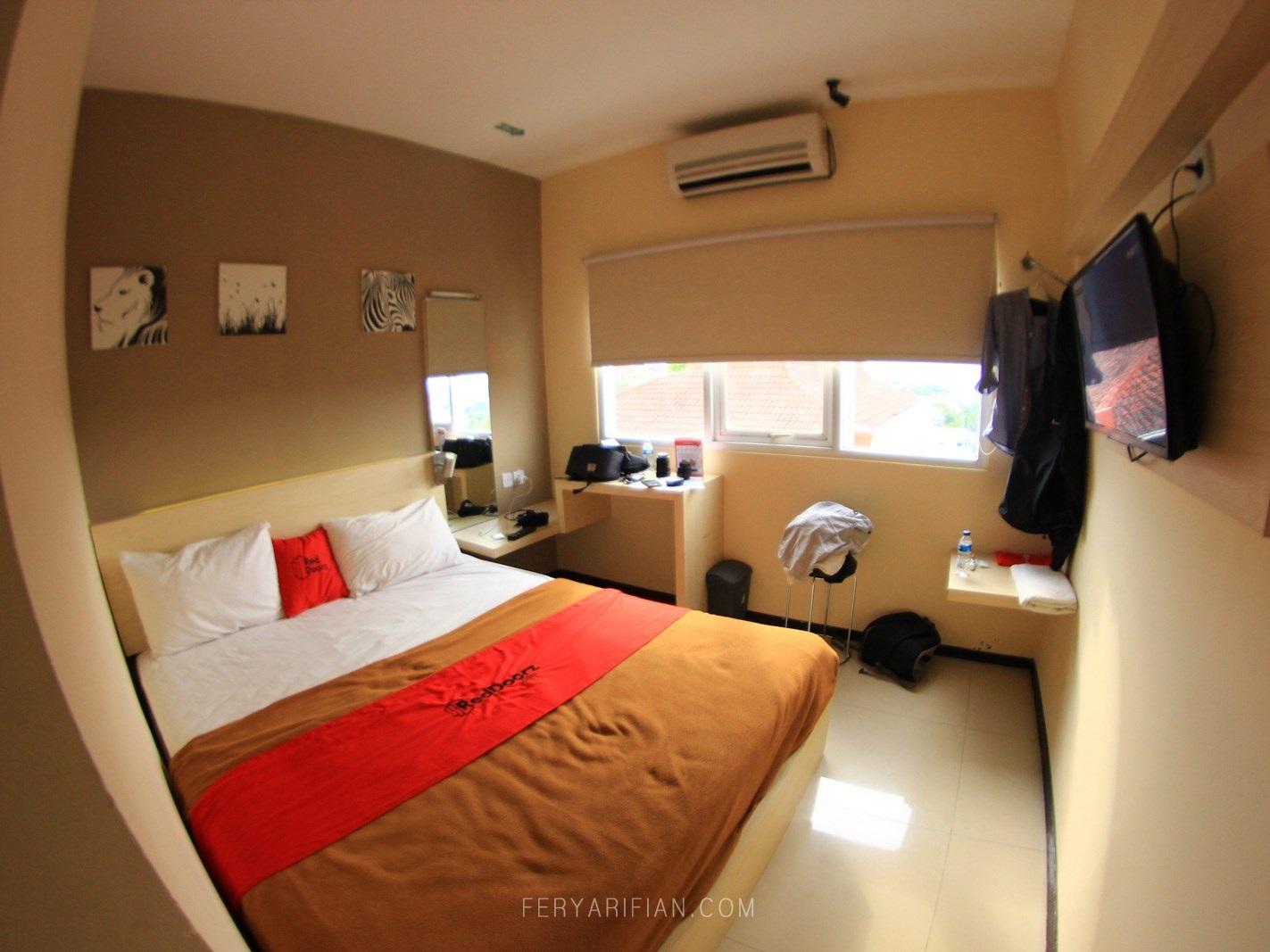 Review Menginap Semalam Di Reddoorz Plus Near Sam Poo Kong Hotel 100 Ribu An Di Semarang Fery Arifian