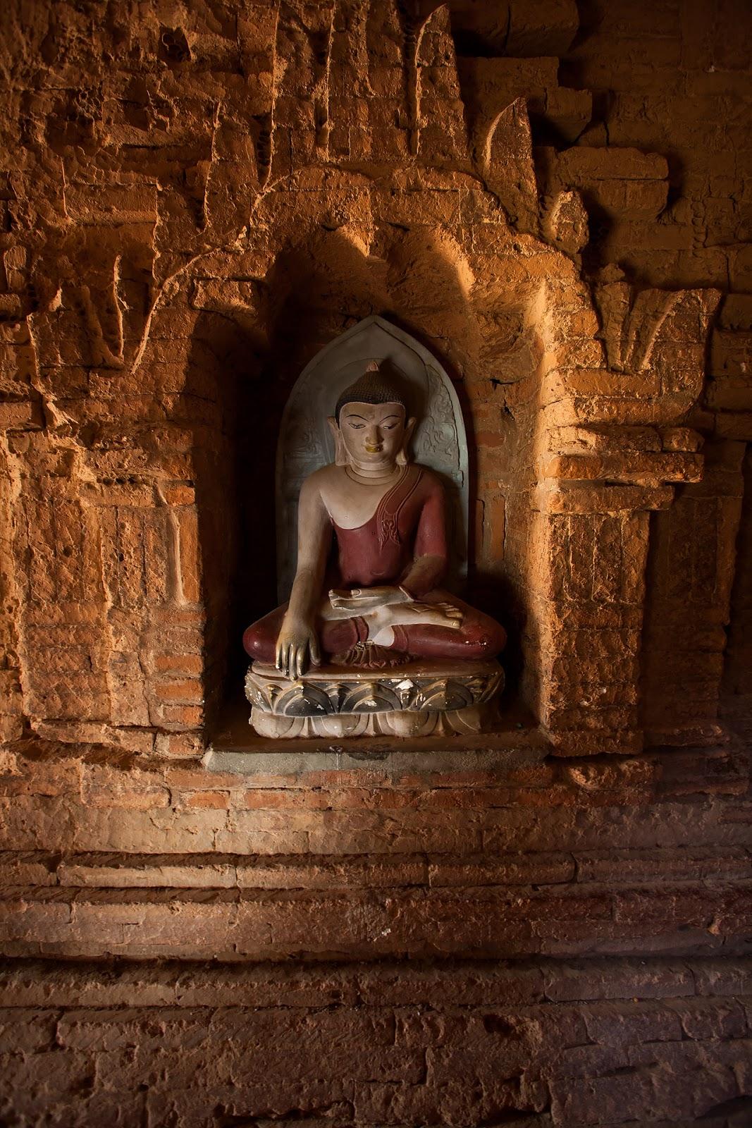 pagoda,wnętrze,rzeźba,bagan,birma