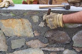 El maestro de obras xavier valderas construir un muro de - Muro de piedra natural ...