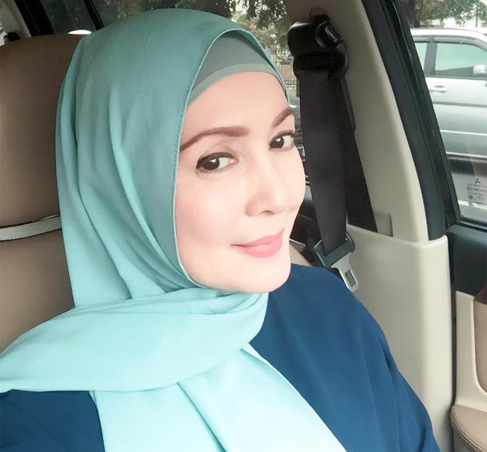 Henidar Amroe pemeran Ibu Hamidah