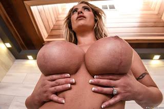 Eva Notty - Hot Tub MILF Machine Photo Shoot 56o31kgjtn.jpg