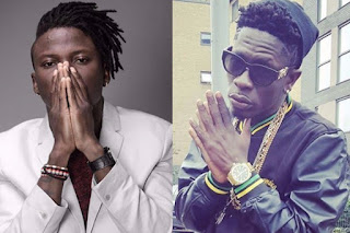 Stonebwoy Pulls Gun As Shatta Wale Attacks Him On Stage