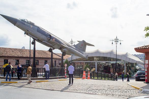 Rahmi M. Koç Müzesi'nin tersane binası girişi, İstanbul