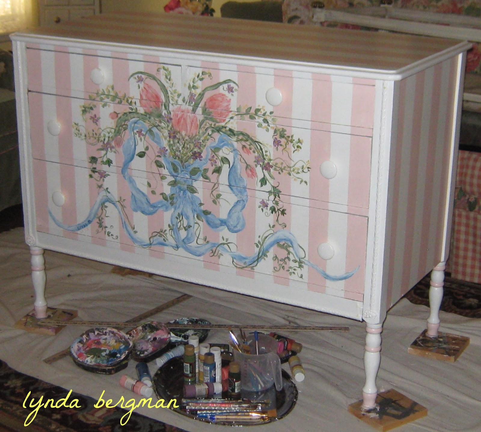 Maria Wanted Me To Paint Something Like That For Her Baby S Nursery This Is The Dresser I Painted