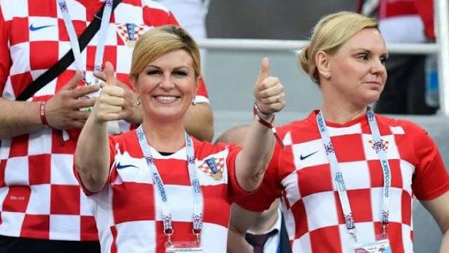 Kolinda Grabar-Kitarovic Presiden Kroasia rela terbang jauh untuk mendukung Timnas Kroasia