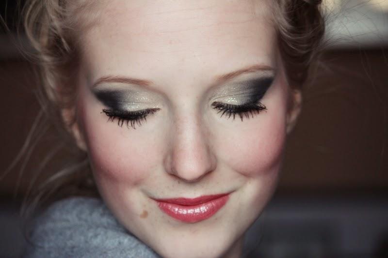 Tutorial: Wie ihr das schönste Abiball Make-Up + Frisur zaubert.