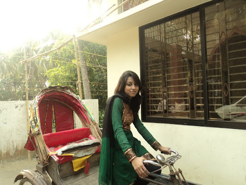 BD woman funny Riskha Driver photo