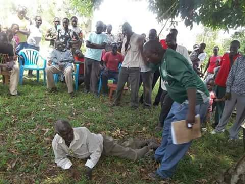 Non-registered Voters In Nyanza Given Dog's Beating By CORD Supporters (Photos)