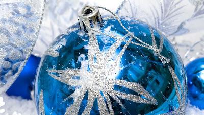 Blauw witte kerstbal