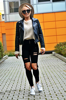 high_waist_pants_black_biker_jacket_beige_hat_1