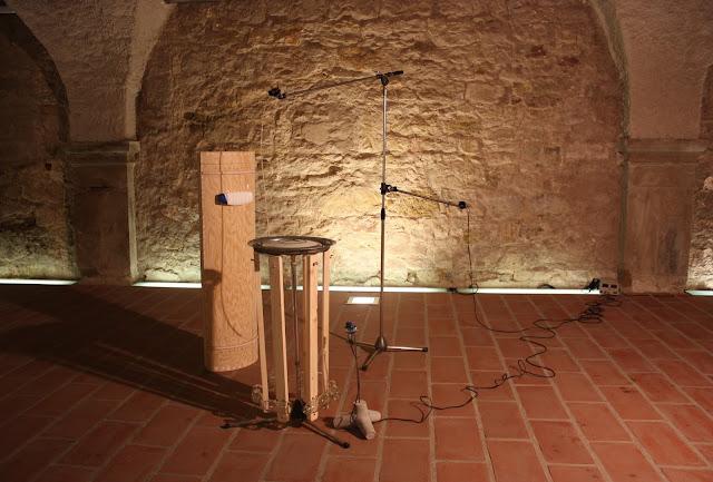 sound installation: Bo Diddeley didn't diddle Diddeley Bow, Tamaki Watanabe & Walter Zurborg
