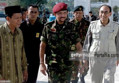 Hassanal Bolkiah datang  ke Aceh