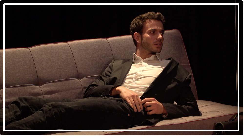 Nicolas Mazzocco dans la pièceTrash thérapie