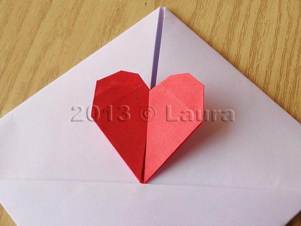 Super Laura fa: Busta con cuoricino, segnalibro e scatolina origami PT82