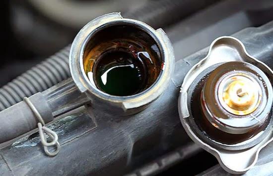 Radiator ialah salah satu komponen sistem pendinginan didalam kendaraan yang berfungsi un Penyebab Dan Solusi Air Radiator Yang Berwarna Kecoklatan