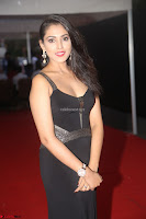 Madhu Shalini in a Glamorous Deep neck Black Sleeveless Dress at Mirchi Music Awards South 2017 ~  Exclusive Celebrities Galleries 047.JPG