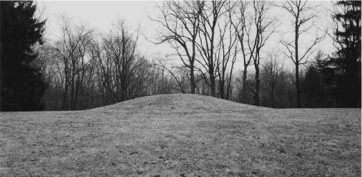 Mound Builders A Travel Guide to the Ancient Ruins in the