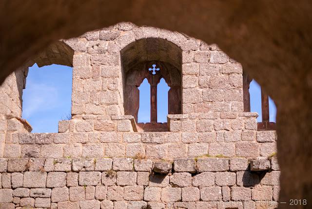 Fenêtre ogivale divisée en deux fenestrelles