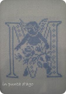 http://silviainpuntadago.blogspot.it/2009/09/m-di-amica.html