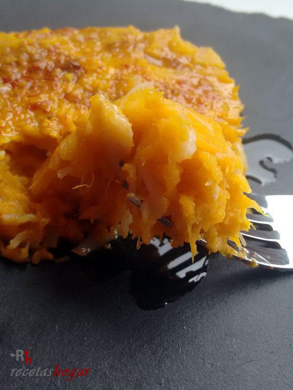Delicioso timbal de bacalao y batata con mojo canario de azafrán