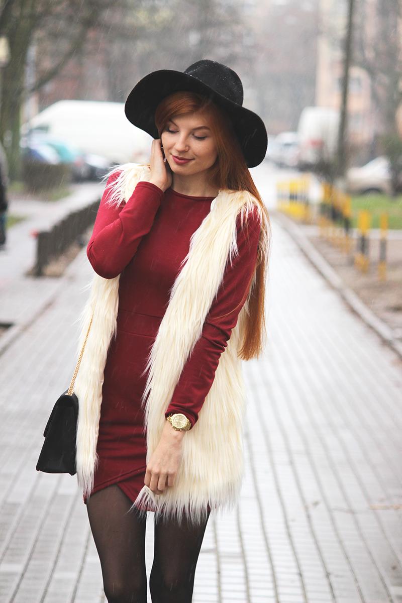 Dopasowana sukienka + futrzana kamizelka | Recenzja rajstop Veera