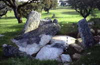https://castelodevideportugal.blogspot.com/2018/03/photos-anta-da-tapada-de-mato-mosteiros.html