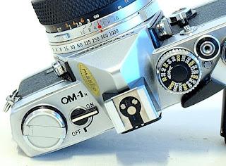 Olympus OM-1n, Top detail
