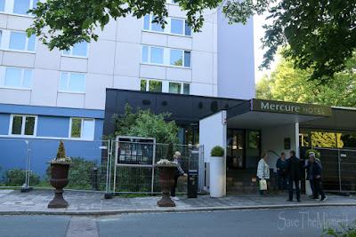Eingang  Congress Hotel Mercure Nürnberg
