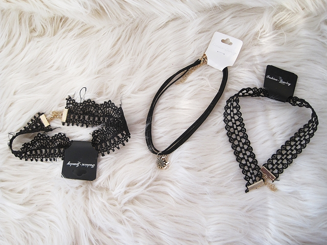 www.zaful.com/6-pcs-lace-star-moon-necklaces-p_257142.html?lkid=16350