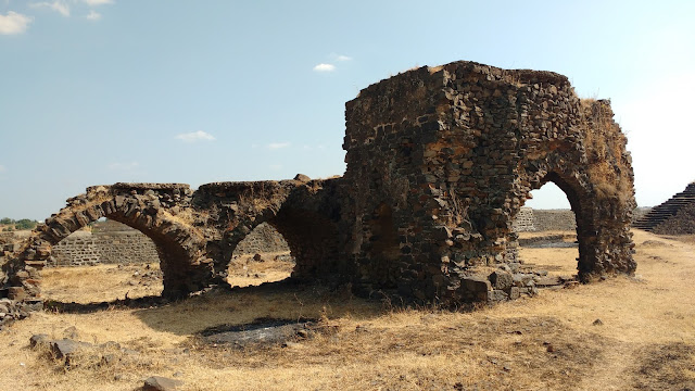 http://oneoftheroad.blogspot.in/2015/12/naldurg-maharashtras-largest-land-fort.html