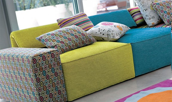 a bright space 2012 39 s mix and match trend. Black Bedroom Furniture Sets. Home Design Ideas