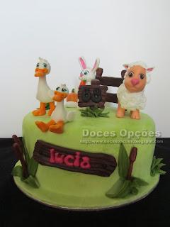 bolo aniversário animais domesticos