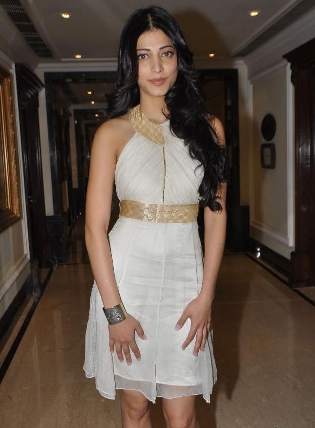Bollywood Actress Shruti Haasan Legs Thighs Photos In Mini White Dress