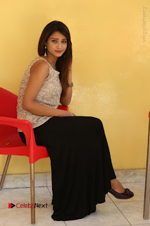 Tollywood Upcoming Actress Arthi Stills in Black Skirt at Plus 1 Movie Trailer Launch  0116.JPG