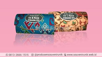 harga souvenir kipas batik