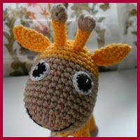 Amorosa jirafa amigurumi