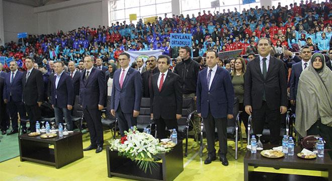 Diyarbakır'da 18 bin 313 spor malzemesi dağıtıldı