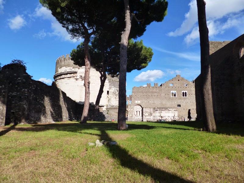 P1020668light - Villa dei Quintili