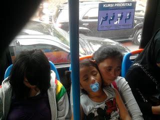 Busway | Bus Transjakarta | Citizen Journalism | Universitas Borobudur | Kisah Remaja