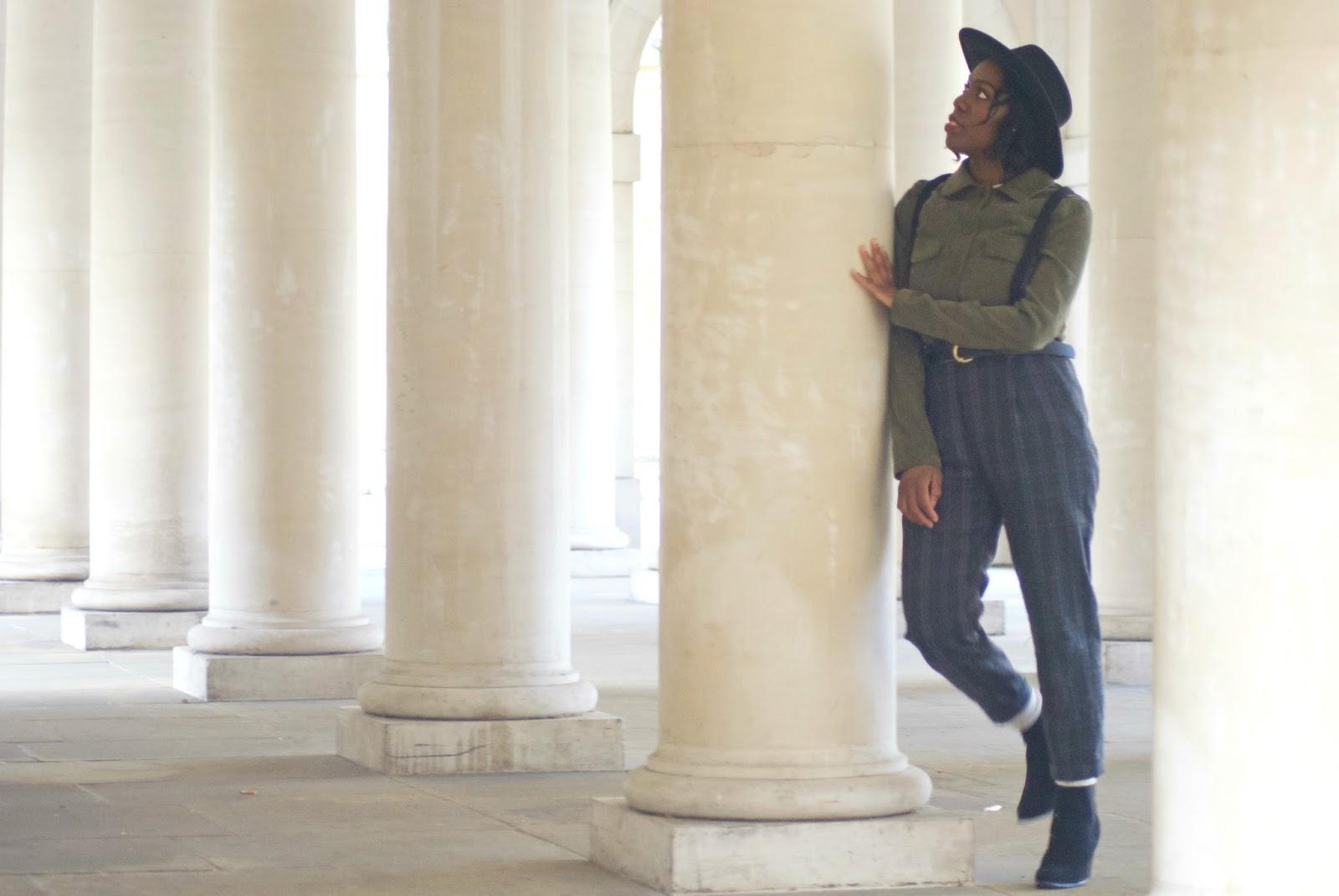 Blogger, Fashion Blogger, Zara plaid trousers, braces, suspenders, corduroy shirt, oversized woman shirt, boohoo oversized shirt, black fedora, asos aviators, temple church area,temple, uk blogger, new look black ankle boots