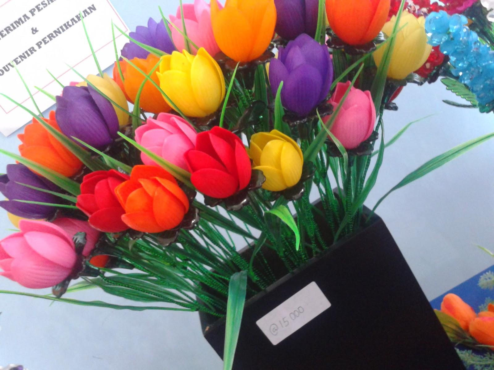 Cara Membuat Bunga Tulip Dari Sedotan Plastik